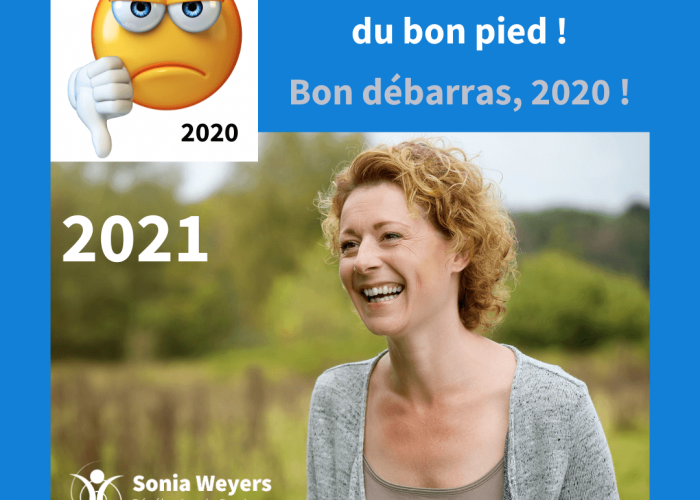 Bon débarras 2020 démarrons 2021 du bon pied! Smiley mécontent, femme joyeuse.