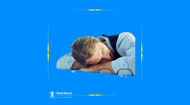 Man sleeping on his cross forearms. With Sonia Weyers - Eudokima - Your Happiness Guide.